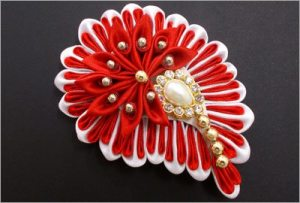 Kanzashi flower hair accessory