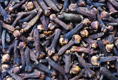 Cloves to cool down your headache