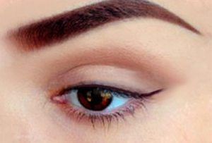 Use the eyeliner tactfully