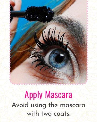 How To Apply Mascara?