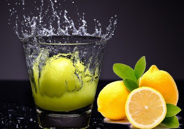 Benefits of drinking lemon water for health, hair & skin!