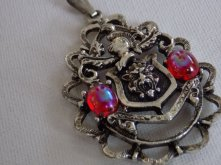 vintage-pendant-lion-from-denise5960