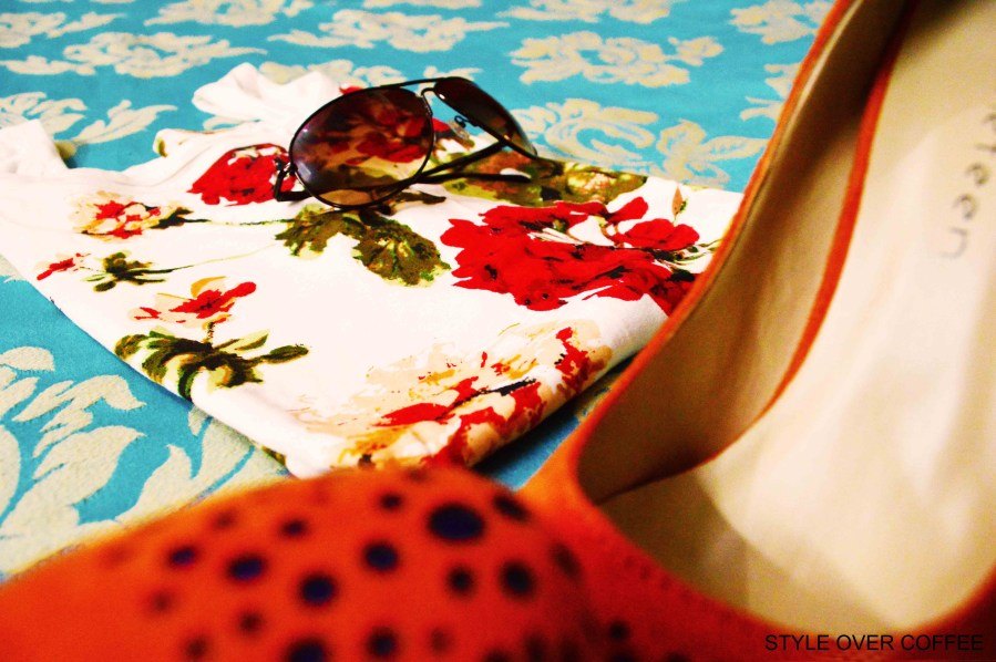 Fashion, Style, Shopping, High-heeled Pumps, Floral Printed Tee, Sunglasses, Fast Track sunglasses, Summer Fashion, Fashion Photography