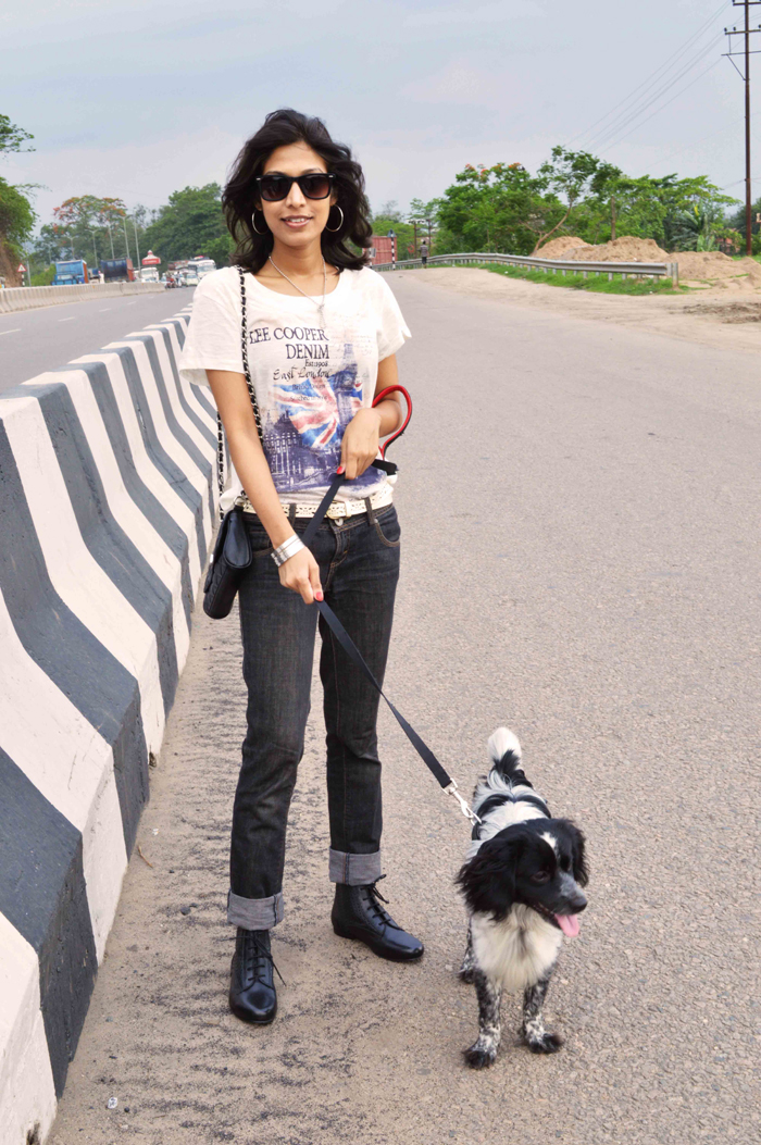 Fashion, Style, Fashion Photography, Summer Fashion, Street Style, Fashion Blogger, OOTD, Lee Cooper Tee, United Colors of Benetton Jeans, Miami Blues Sunglasses, Cocker Spaniel puppy, Black Boots