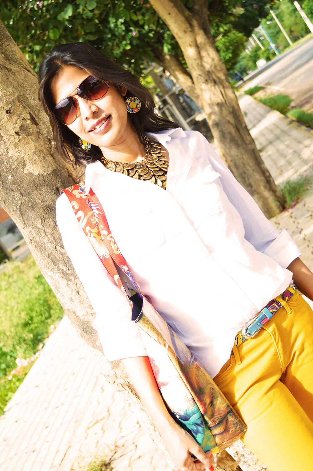 White Shirt, Fashion Blogger, Beauty, Yellow Jeans, Fashion, Style, Photography, mustard yellow-7