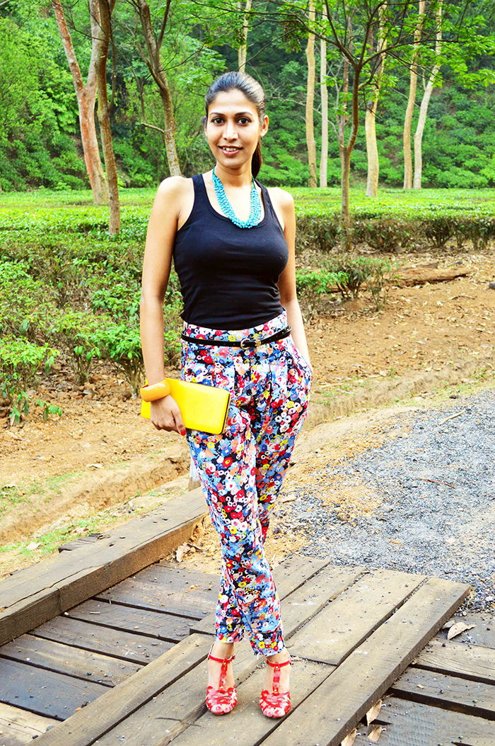 Fashion, Style, Summer Fashion, Fashion Photography, Floral printed Pants, indian Fashion Blogger, style over coffee, Black Vest, Street Style