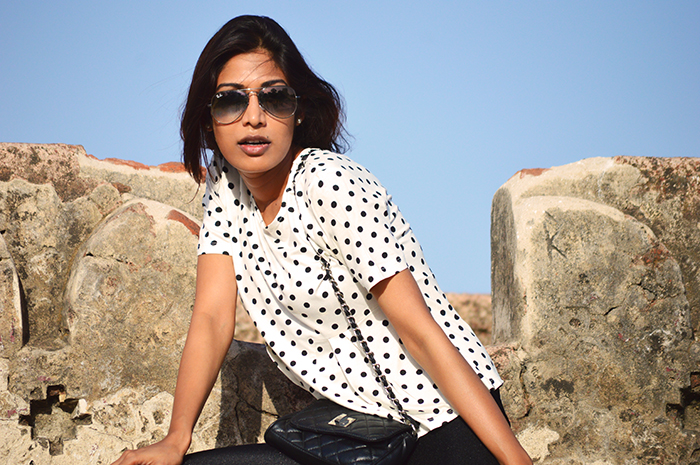 Fashion, Style, Fashion Photography, Street Fashion, Fashion Blogger, Casual wear, Indian Fashion Blogger, Polka printed top, Mango Fashion Brand, Boohoo Jeggings,