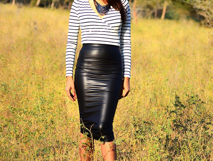 Fashion, Style, Fashion Photography, Street Style, Fashion Blogger, Indian Fashion Blogger, Style Over Coffee, Indian Fashion Blog, Photography, Koovs Fashion, Black Pencil Skirt, Striped top, Black and white outfit, black necklace, lara karan shoes, online fashion shopping