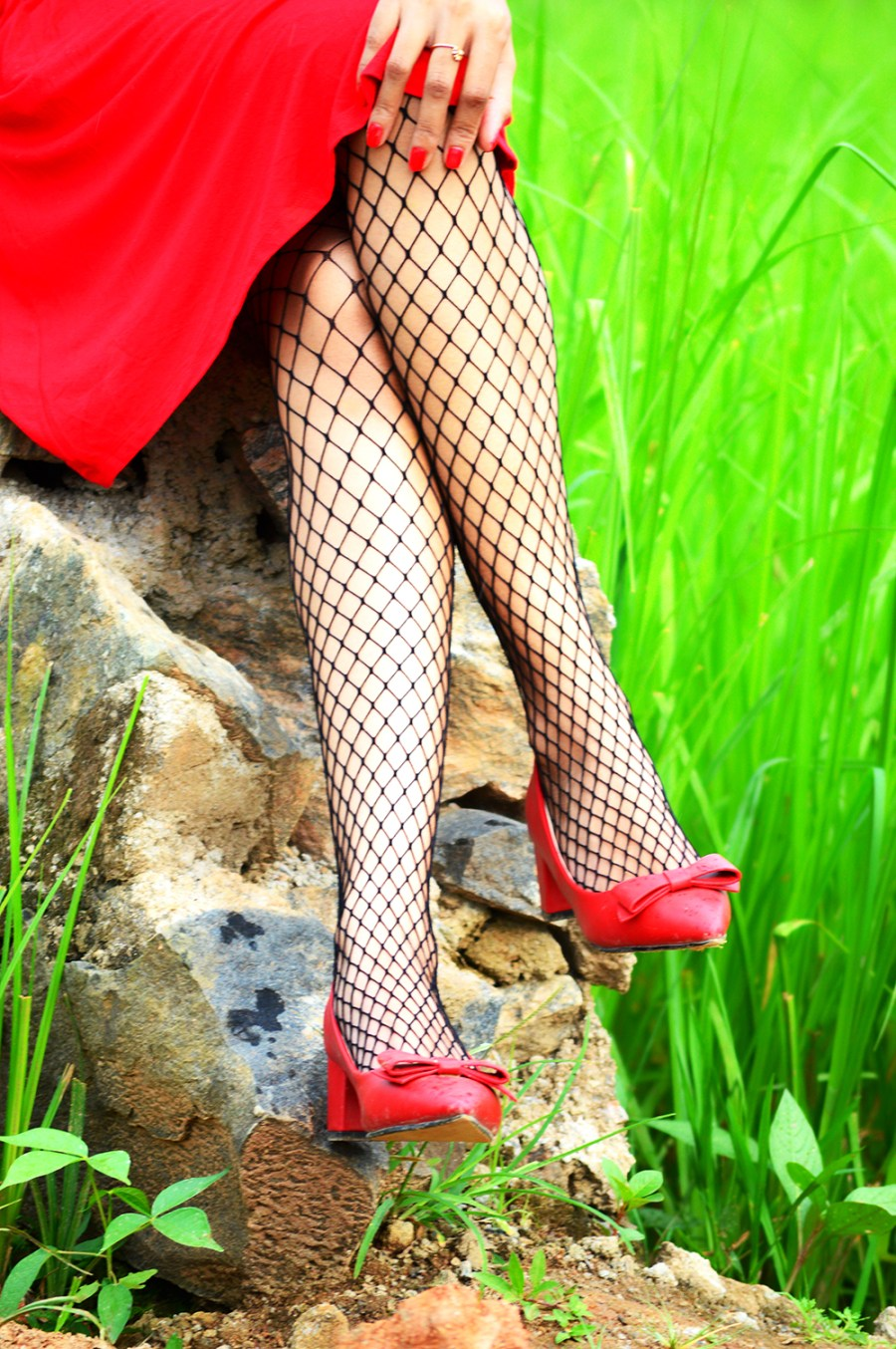 Red Dress, Fashion, Style, OOTD, Photography, Fashion Blogger, Fishnet Stockings-6