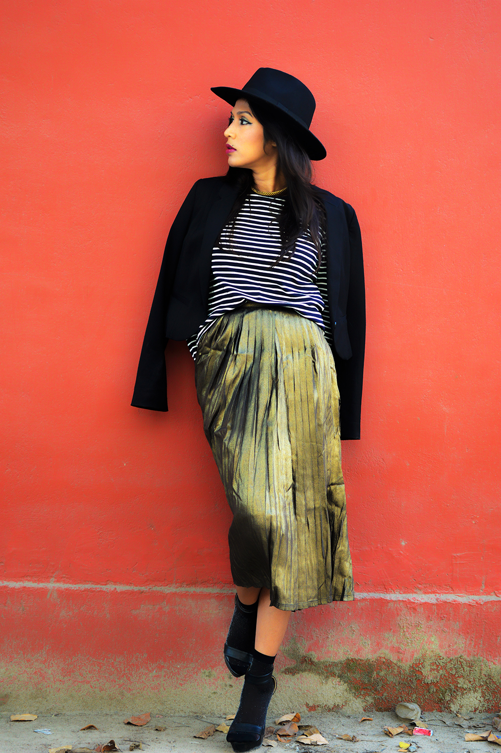 Metallic, Golden Pleated Skirt, Fashion, Style, Photography, Fashion Blogger, Street Style, Fall Fashion-4