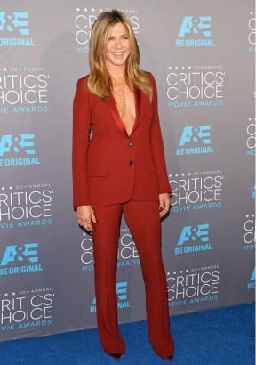 One colour look Jennifer Aniston Gucci