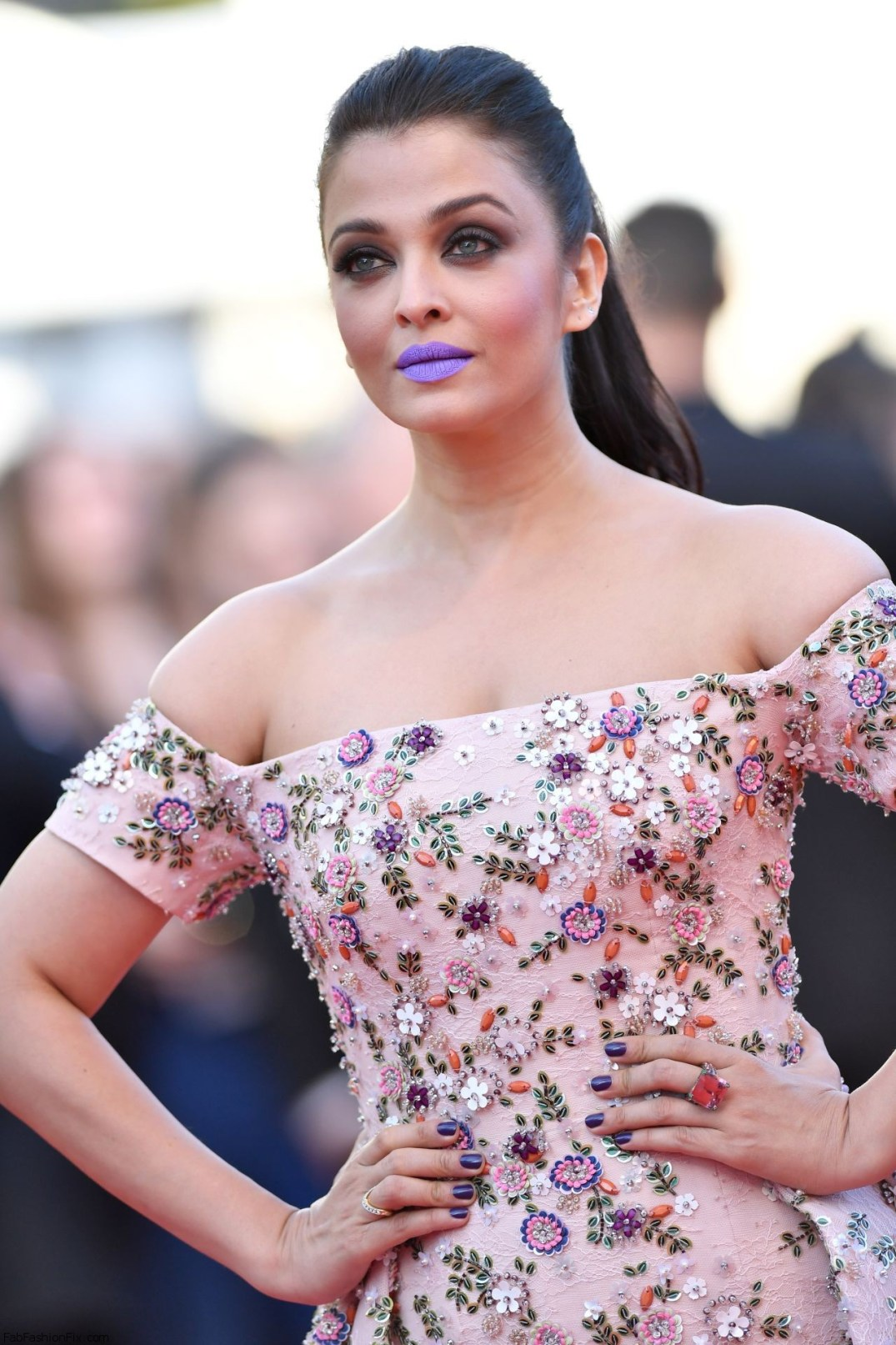 Aishwarya Rai Jewelry at Cannes 2016. PC-Fabfashionfix.