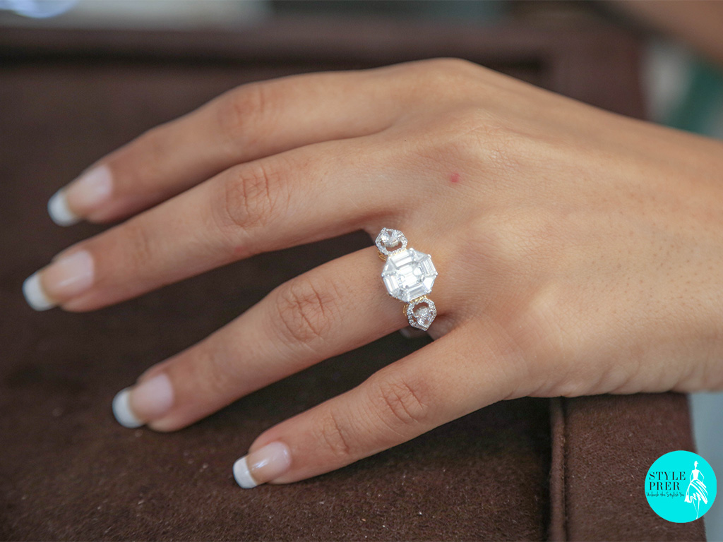 Composite Set Baguette And Trillion Ring For A Solitaire Look