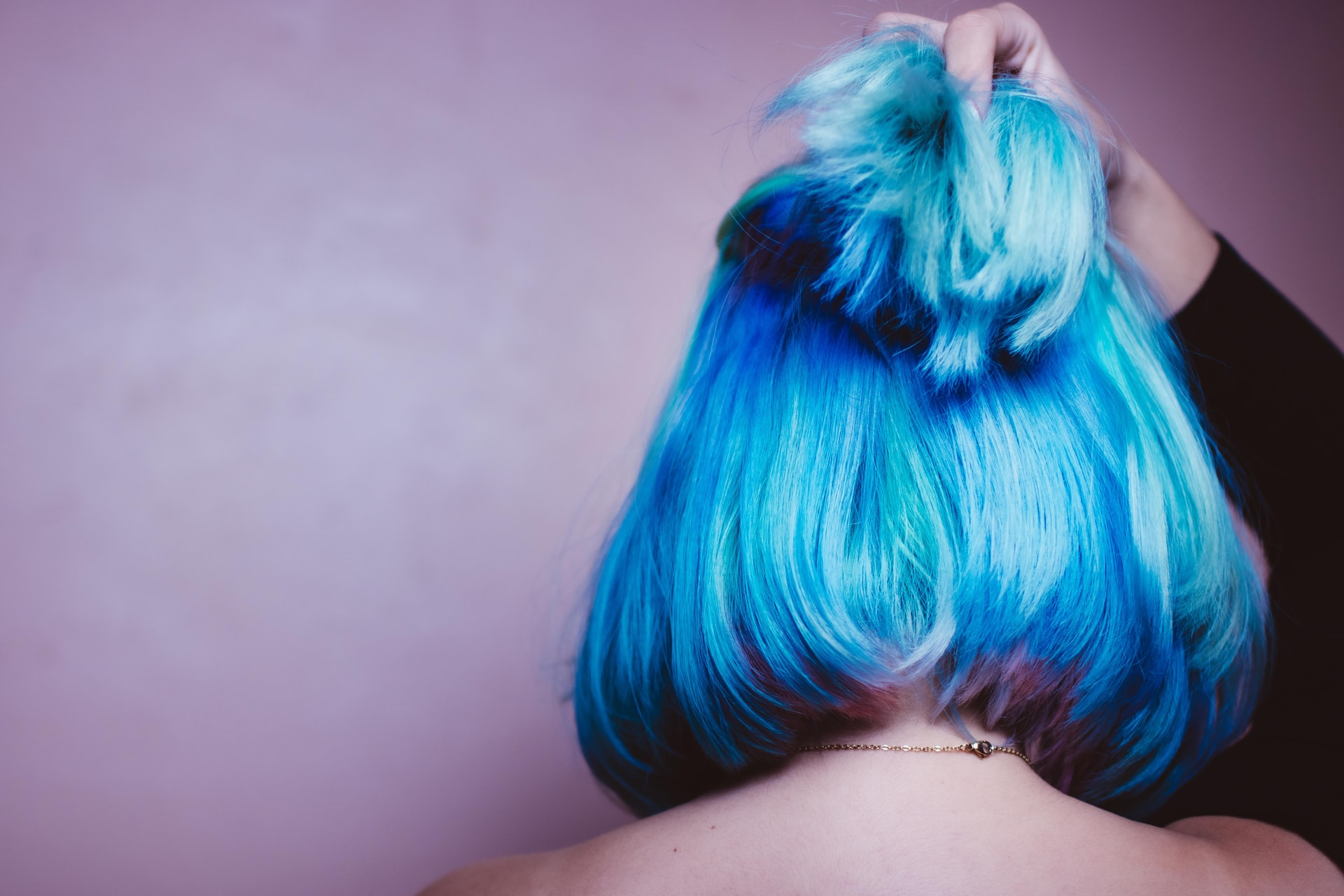 How to Dye Your Hair Safely When You Have Sensitive Scalp