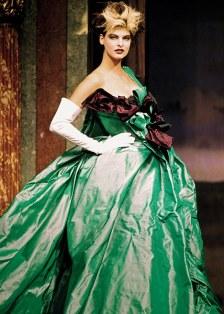 Linda Evangelista in Watteau dress 1996