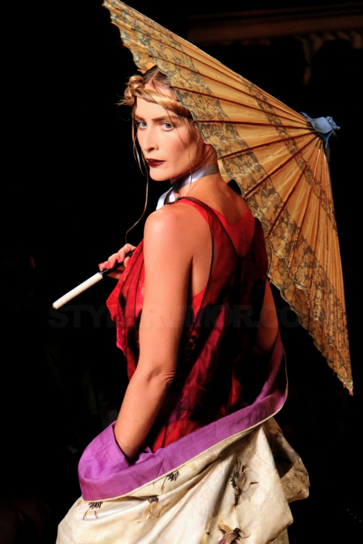 john-galliano-spring-summer-2011-collection-11
