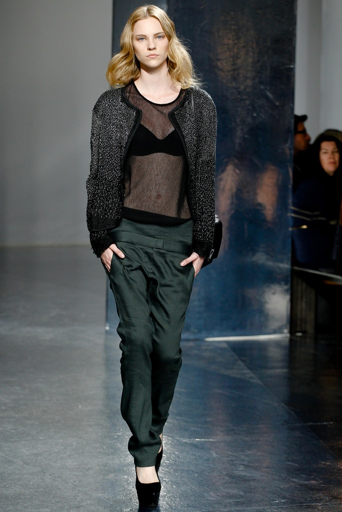 Theyskens' Theory Spring Summer 2012 Collection 24