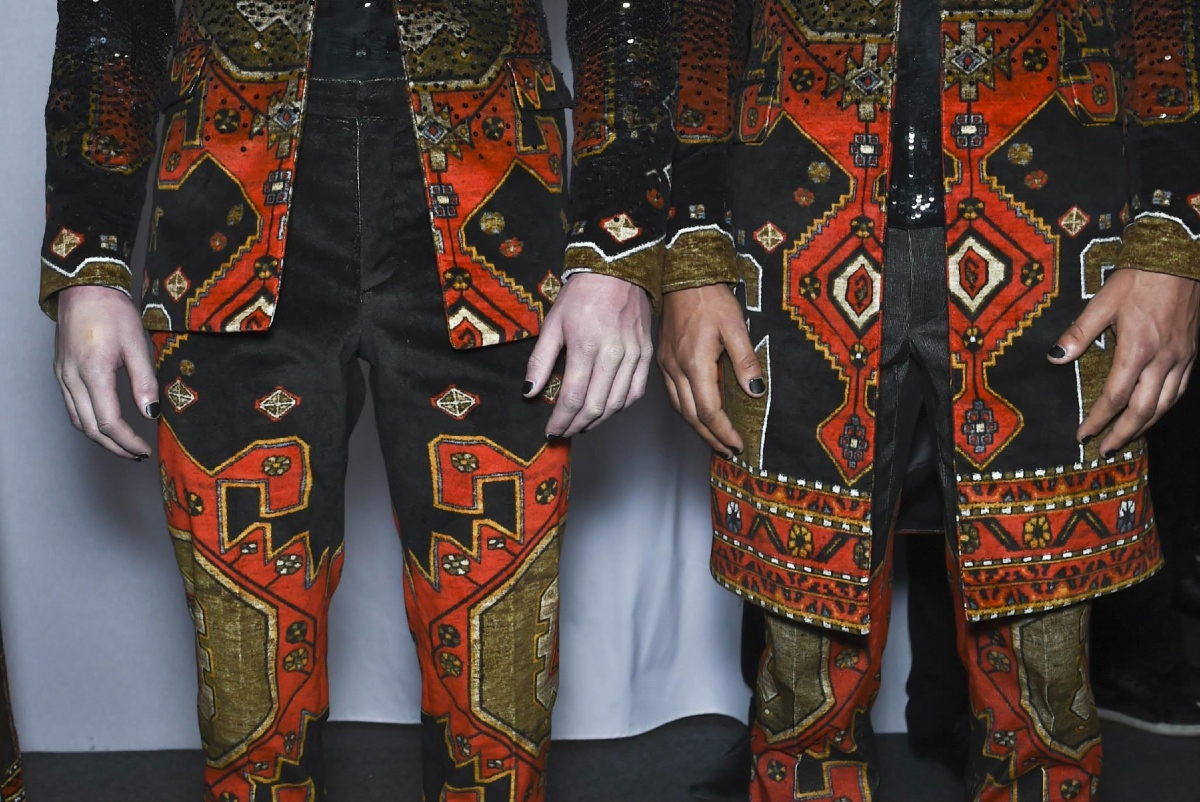 Backstage at the Givenchy Menswear Fall 2015 Show 14