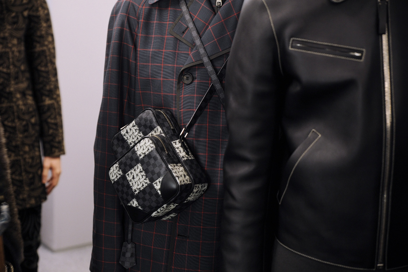 Backstage at the Louis Vuitton Menswear Fall Winter 2015 Show 27