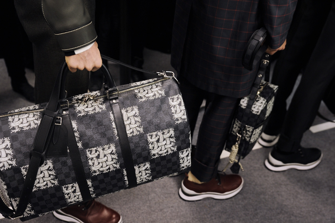 Backstage at the Louis Vuitton Menswear Fall Winter 2015 Show 32