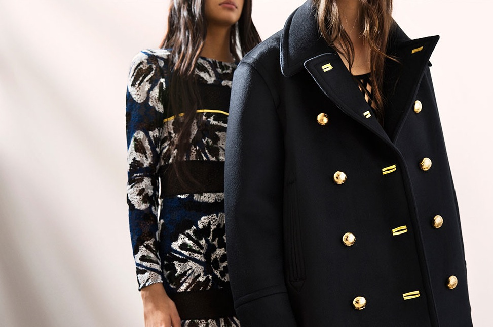 Backstage at the Burberry Prorsum Spring Summer 2016 Show 18