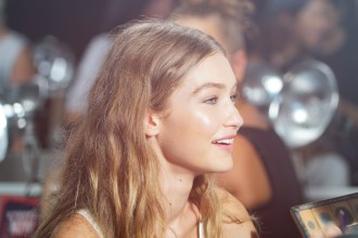 gigi-hadid-backstage-at-tommy-hilfiger-x-gigi-show-in-new-york-1