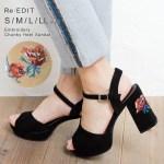 フラワー刺繍デザインチャンキーヒールサンダル。プチプラでおしゃれなファッションRe:EDIT(リエディ)2017春夏流行のトレンドアイテム