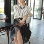 フリル袖ストライプブラウス。韓国の上品でエレガントな大人ファッション通販BADDIARY(バッドダイアリー)2017春夏の人気アイテム