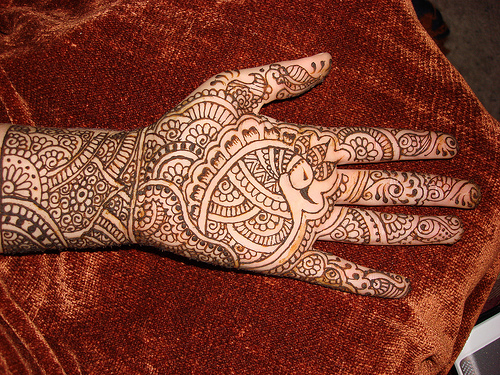 Simple Mehndi Designs For Front Full Hands