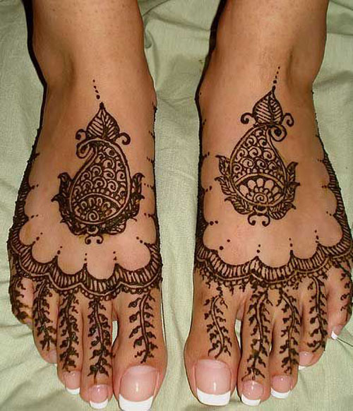 Foot Finger Mehndi Design Simple
