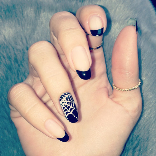 Spider Web Nail Art On One Finger If