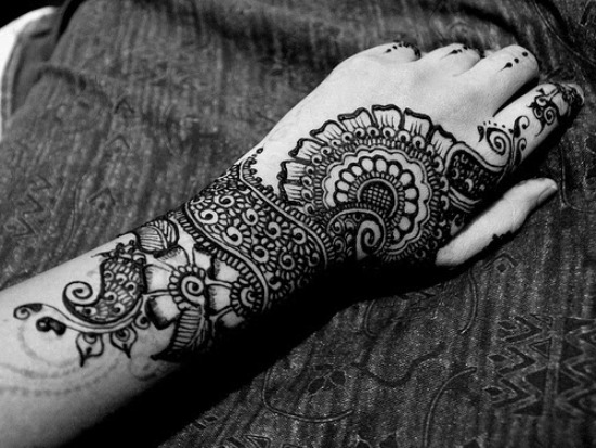 15 Cute and Easy Black Mehndi Designs with Photos   Styles ...