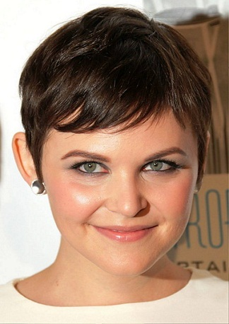 Top 25 Hairstyles For Fat Faces Of Women To Look Slim Styles At Life