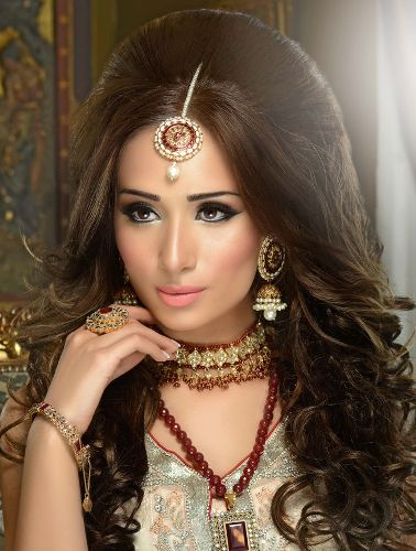 Top 9 Indian Engagement Hairstyles That Can Redefine Your