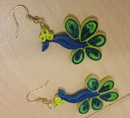 paper-quilling-earring-designs-peacock-quilling-earrings