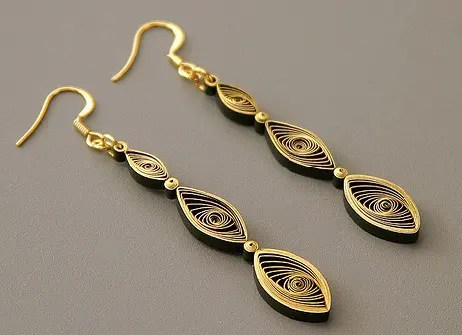 paper-quilling-earring-designs-spiral-pattern-quilling-earrings
