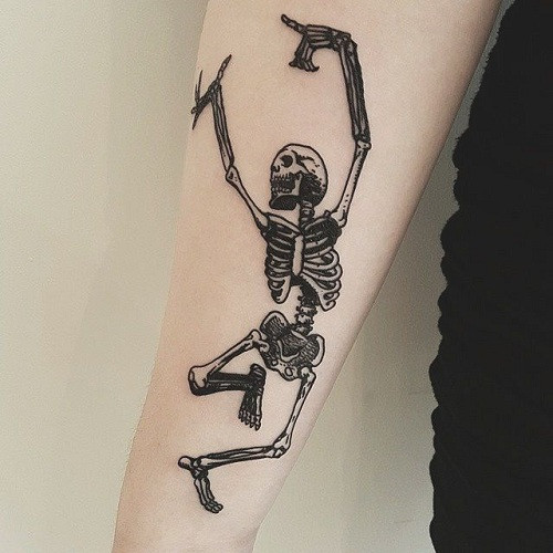 9 eye-catching skeleton man tattoo