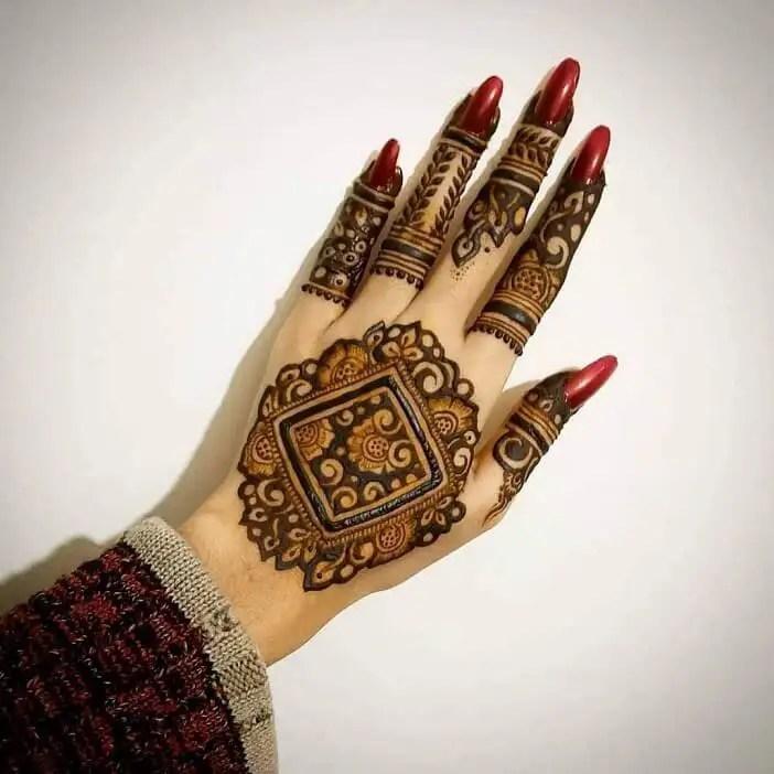 Mehendi Design On The Back Of The Hand