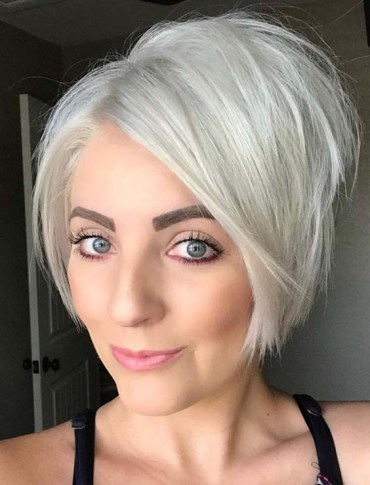 Platinum Blonde Pixie Growout Hairstyles for 2018
