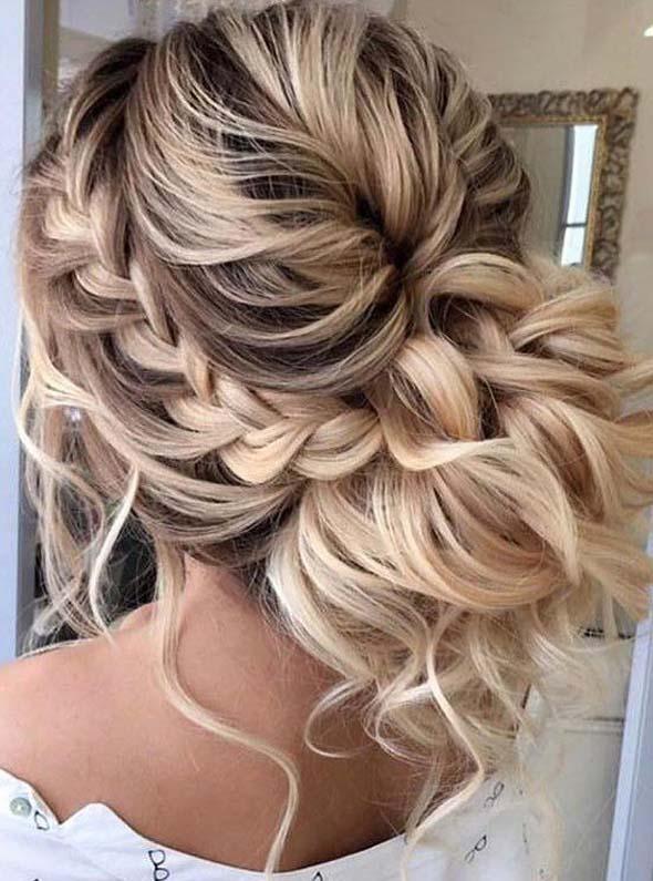 Stunning Braided Bun Hairstyles To Follow In 2019