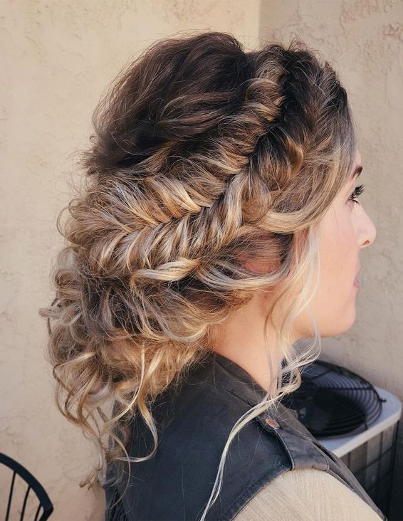 Perfect Textured Updo Hairstyle Trends for 2019