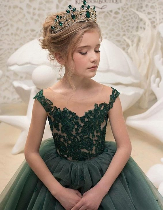 Lovely Dresses Style & Trends for Small Girls