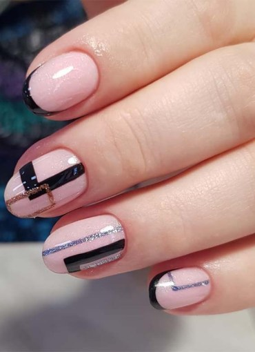 Fresh Patterns of Pink Nail Arts for 2019