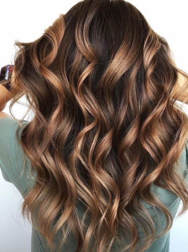 Caramel chocolate hair color ideas for long waves Locks in 2019
