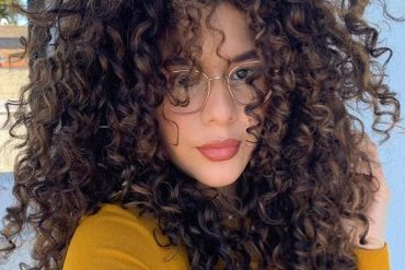 Stylish Medium Length Curly Haircuts for 2020