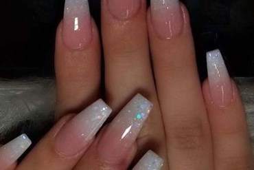 Cutest Glitter Nail Arts and Designs for Women 2020