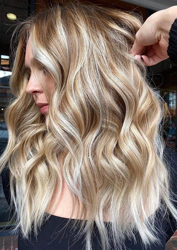 Golden Blonde Hair Color Shades to Show Off in Year 2020