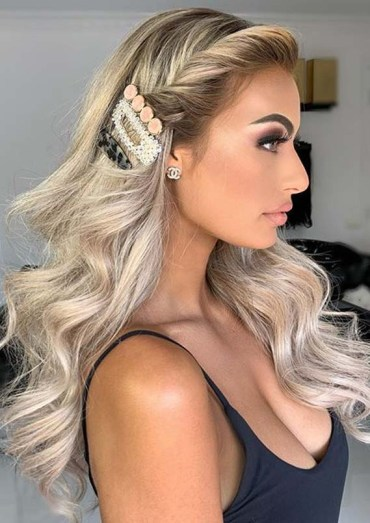 Sensational Long Hairstyles Ideas for Women to Follow in 2020