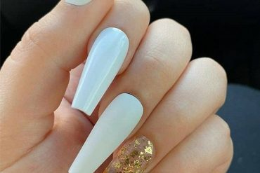 Charming White Nail Designs for Your Next Trip In 2020