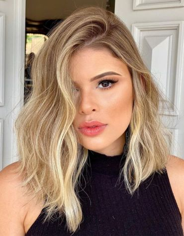 Hottest Style of Medium Blonde Hair for Every Skin Tone